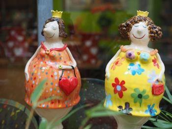 Gabi Winterl Keramik, Gartenfigur, Damen, Prinzessin, Keramik, Unikat, Handarbeit