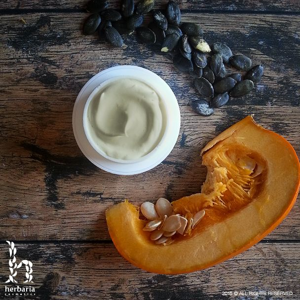 Pumpkin face cream with pumpkin seeds oil especially for Halloween