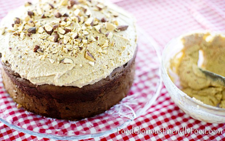 Banana Cake- Gluten/dairy/refined sugar free!!  Moist and moorish, this is a gluten free banana cake worth trying!  Also makes a great addition to school lunches.  http://www.foodgloriousfriendlyfood.com/1/post/2014/03/banana-cake-gluten-and-dairy-free.html