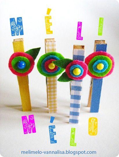 Sempre più vicini all'inizio della scuola, sempre più idee da sperimentare. Per esempio queste: sono mollette di legno rivestite con stoffe, feltro, fiori e bottoni, e sono assolutamente fresche e deliziose. Le mollette sono create da Méli-Mélo, e sono tutte una diversa dall'altra. Un ottimo modo per conservare gli appunti, scrivere biglietti o mandare messaggi. Mi piacciono anche come idea da mettere nel pacchetto della merenda: un bel bigliettino di incoraggiamento, un pensiero affe...