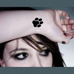 les 25 meilleures id es concernant tatouages de pattes de chat sur pinterest tatouages de. Black Bedroom Furniture Sets. Home Design Ideas