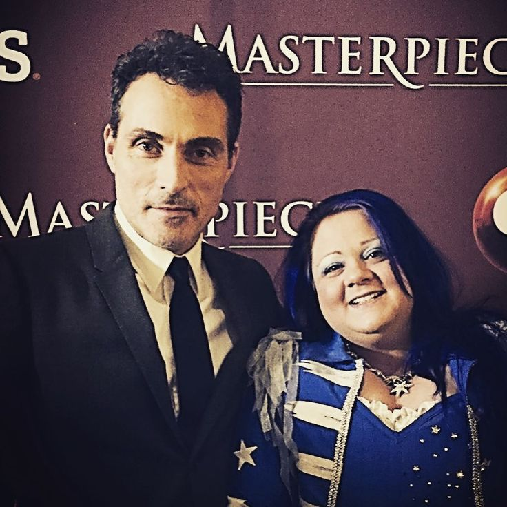 @masterpiecepbs #Victoria Premiere for Season 2 in NYC; got to meet #RufusSewell. #ILoveVictoria #ILovePBS #ILoveMasterpiece. Still ridiculously happy from last night's event. It was such a pleasure; he is so nice! I think I will be buzzing about this for days! Going to watch #DarkCity today while sewing and continue smiling like crazy <3 What a wonderful memory!