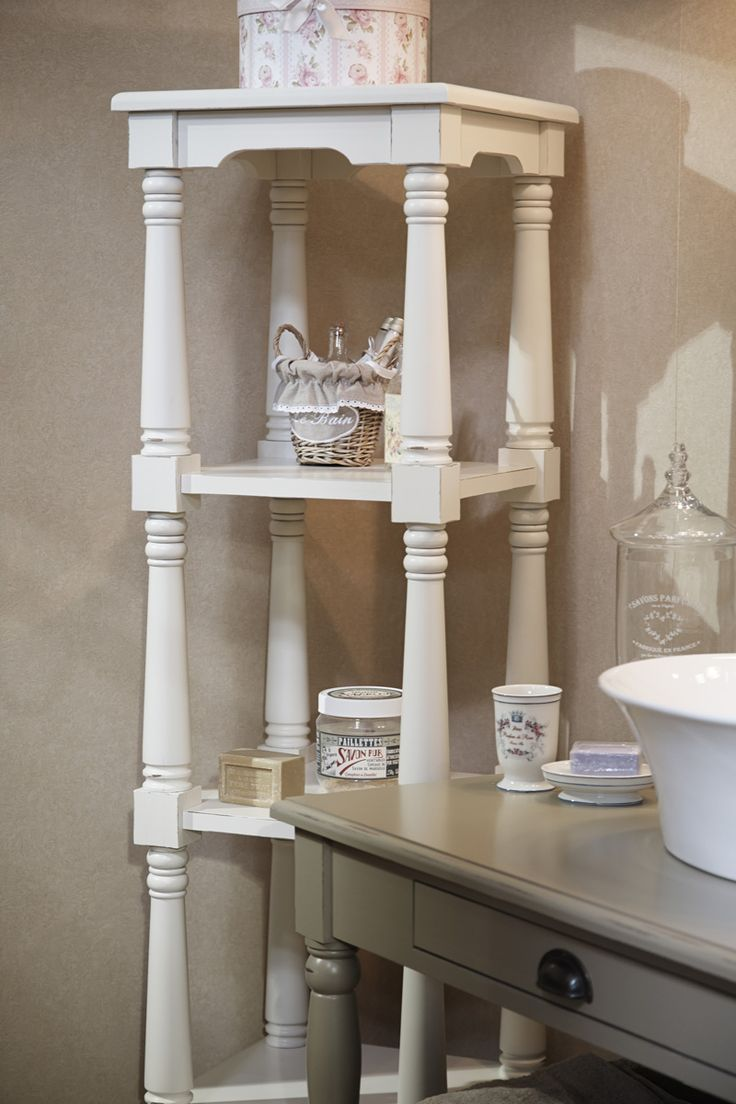 Shelf in the bathroom in the style of Provence