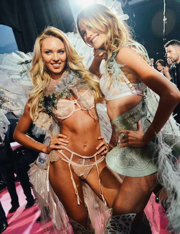 "Backstage at the Victoria's Secret Fashion Show, ""Girls just want to have fun, HeleenOs"""