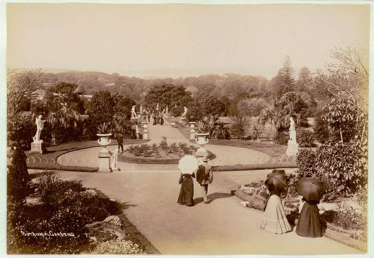 Botanical Gardens, Sydney [showing walkway lined with urns and statues], ca. 1900-1910. PXE 711 / 462 http://acmssearch.sl.nsw.gov.au/search/itemDetailPaged.cgi?itemID=413779