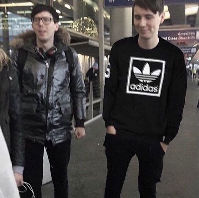aesthetic dan<< why doesnt he wear this is his videos