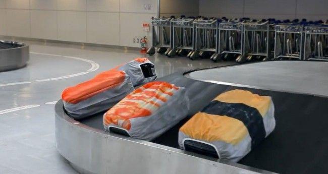 コンベアに流すとまるで回転寿司!お寿司なスーツケースカバー