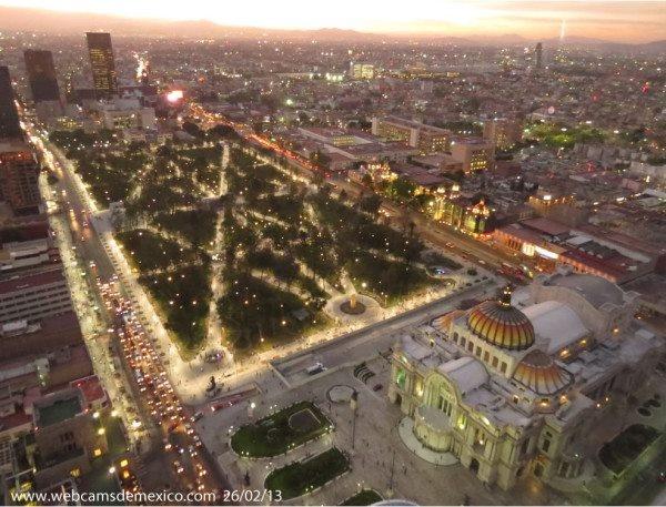 Hermosa postal, resultado de un zoom a la Alameda Central y Palacio de Bellas Artes vistos desde El Mirador de La Torre Latinoamericana. México, D.F. 2013.