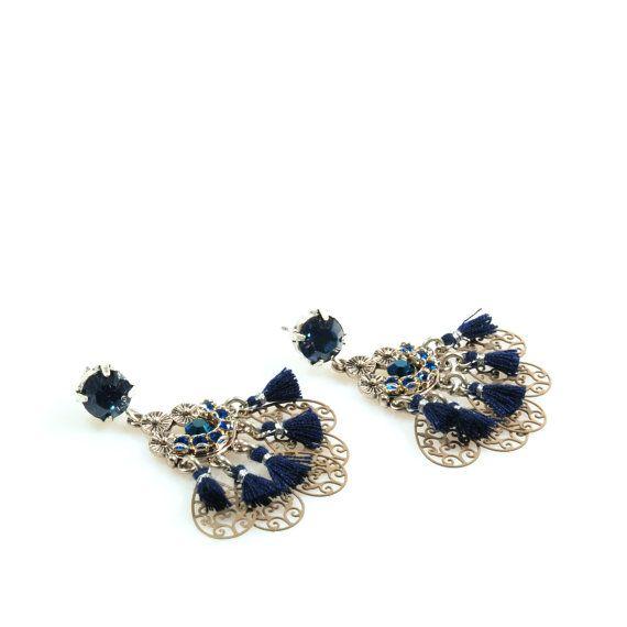 Kerst oorbellen blauw, dames cadeau kerst, Swarovski oorbellen kwastjes, hang oorbellen donker blauw, OOAK boho sieraden handgemaakt