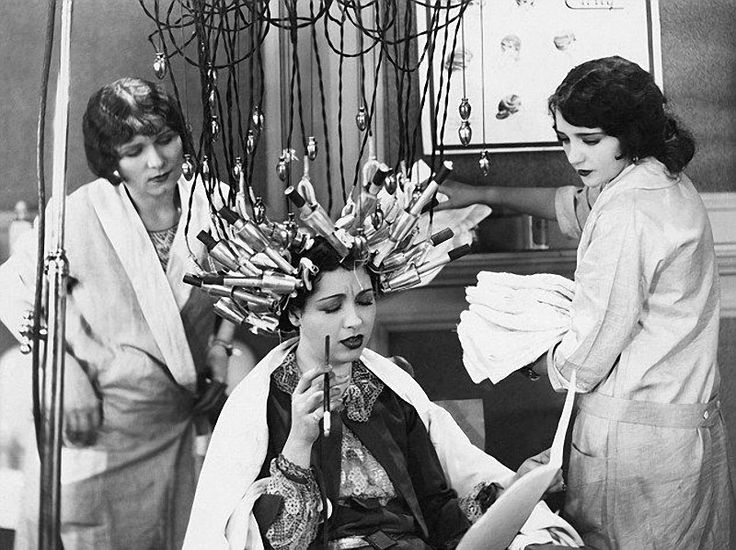 A device for permanent hair waving. Women had to sit with such a thing on the head for hours to achieve a fashionable curled look.