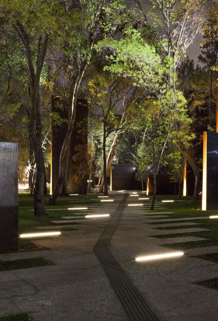 iGuzzini Linealuce parks and gardens. www.ladgroup.com.au: