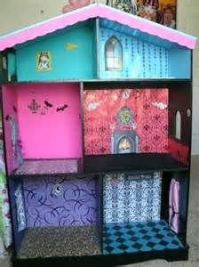 monster high doll house - Needs furniture and everything else.