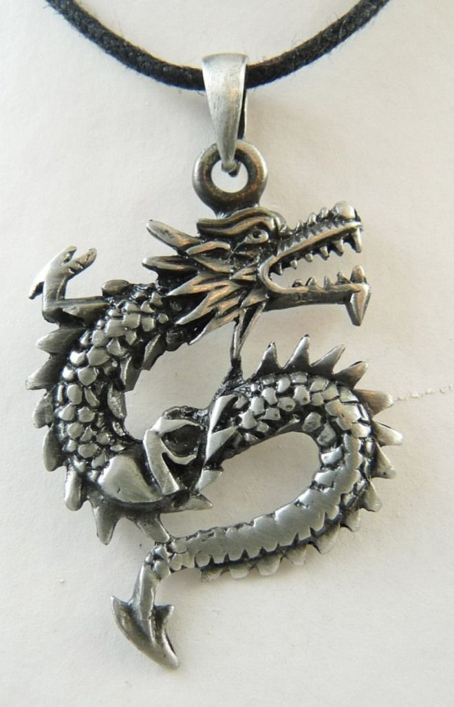 Silvertone Dragon Pendant & Necklace/Collana con Ciondolo Drago in Argentone