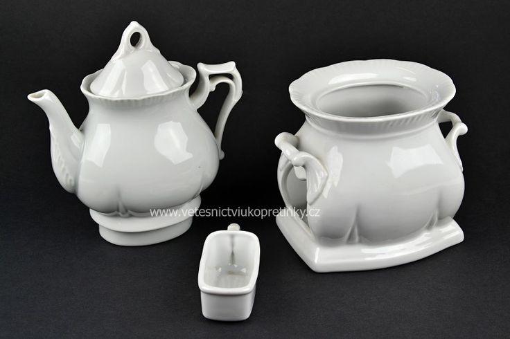 Porcelánová konvička na čaj s kahanem. Haas&Czjek  #vetešnictví #bazar #porcelán #porcelain #junkshop #vetesnictviukopretinky