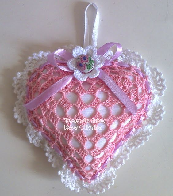 Weaving Arts in Crochet: Sachet with Heart Chart!