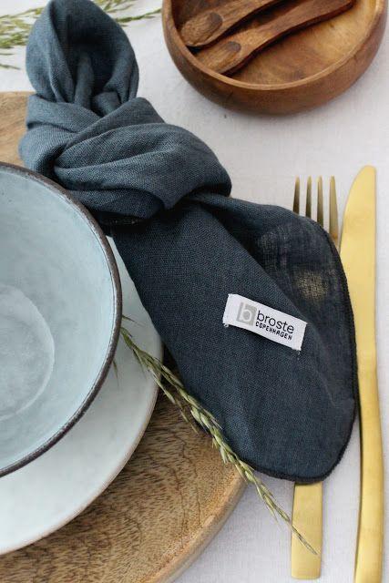 DEKORATION | Sommerlich mediterrane Tischdeko in blau-grau mit nat�rlichen Akzenten
