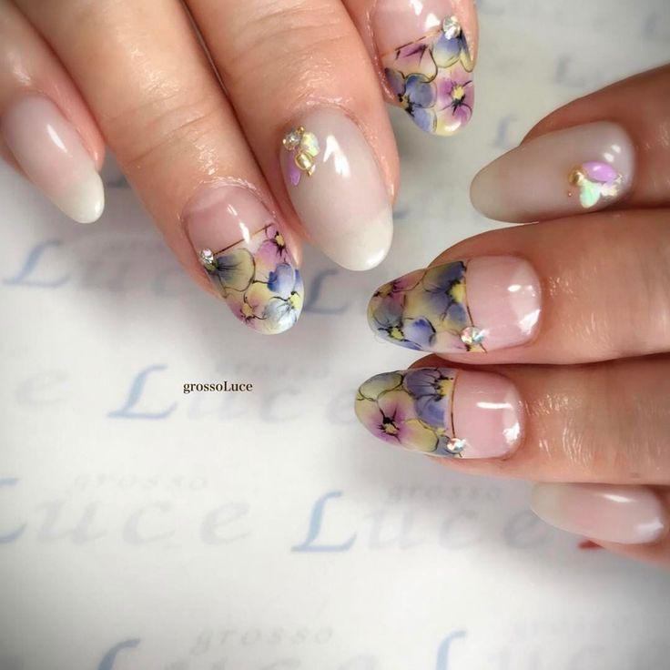 . パンジー柄*.⋆ . . #grossoluce #nail#nails#gel #gelnails#instanails#nailstagram #nailart #naildesign #frowers#spring #美甲#指甲#ネイル#ネイルアート#ネイルデザイン#ジェル#ジェルネイル#フラワーネイル#春ネイル#トレンドネイル#ラピジェル#RAPIGEL