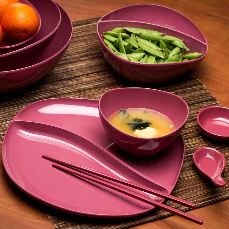 Asian Serving Utensils Are Colorful Too. Sauce Dishes are perfect for dipping; fill with soy sauce, wasabi and other great Asian flavors. Soup spoons and sauce dishes are compact and nest for easy storage. Soup spoons are a staple with any meal featuring classic soups like pho, ramen and wonton. Chop sticks have squared edge so they do not roll around. .
