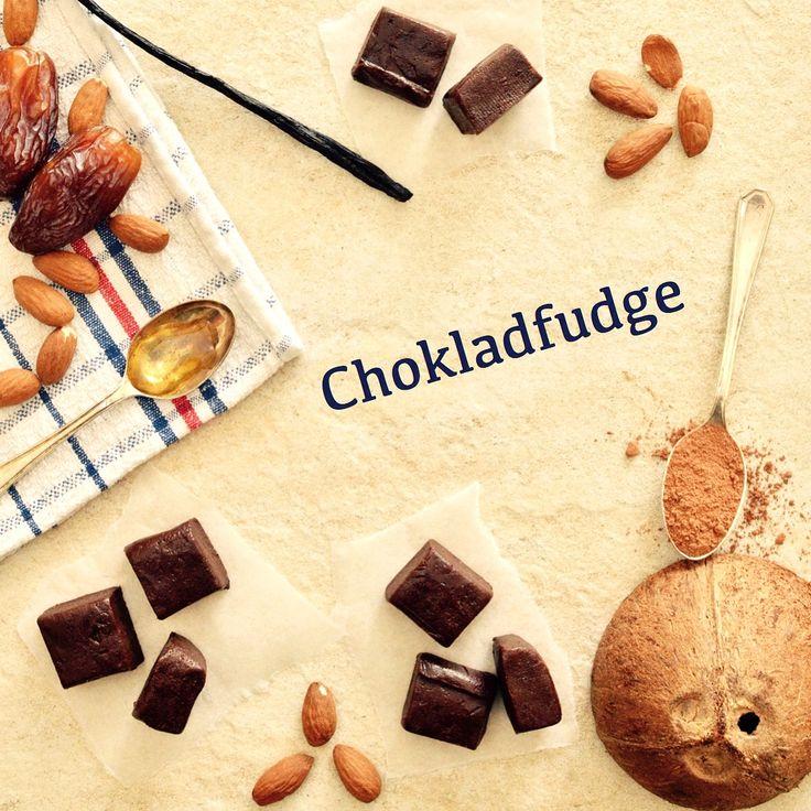 Chokladfudge! 😍 Receptet finns i meny 13.  www.allaater.se