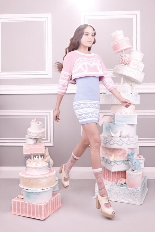 Pastels!! cakes, sugary treats, confectionary style