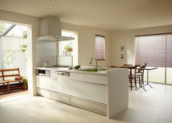 クリナップ社製のシステムキッチンを採用<BR>食器洗い乾燥機・浄水器なども標準装備<BR>(施工例)