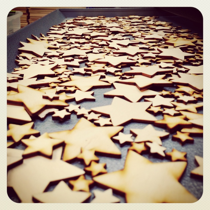 More lovely stars from craftshapes.co.uk. We have pick and sort them, then sand the larger ones. It's fun cutting them but not so much fun sanding hundreds if them! Still, I love seeing them all cut in the tray! Steve :-)