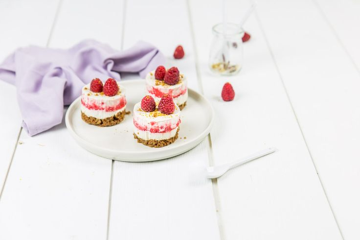 cheesecakes spéculoos framboises et coulis de fraises