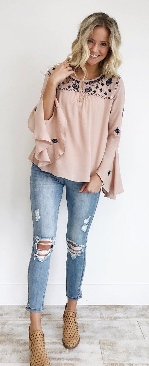 #spring #outfits Blush Blouse & Ripped Skinny Jeans