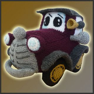 Classic Car - Amigurumi Pattern by DeliciousCrochet by DeliciousCrochet, via Flickr