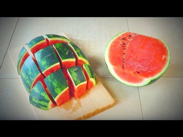 die besten 25 wassermelone schneiden ideen auf pinterest eine wassermelone schneiden video. Black Bedroom Furniture Sets. Home Design Ideas
