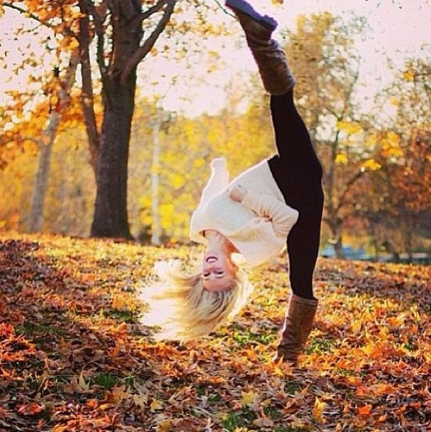 Gonna take a picture like this when the leaves start to change!(: