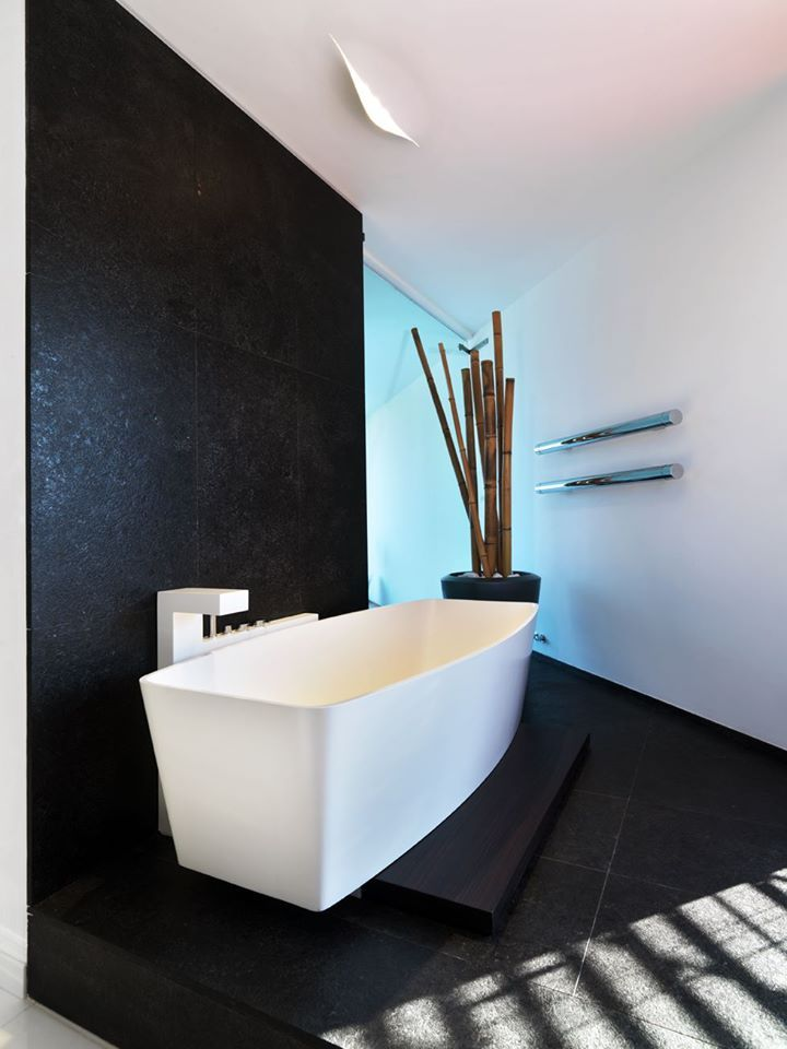 #TBT design Ludovica+Roberto Palomba. B-House @ Pevegnano (CN). Project by Arch. Duilio Damilano. Photo courtesy Andrea Martiradonna. #Luxury #Project #house #Cuneo #Architect #Architecture #Homedetails #Tubesradiatori #Madeinitaly
