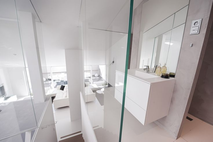 The penthouse with two bedrooms. The upper bedroom ensuite bathroom.
