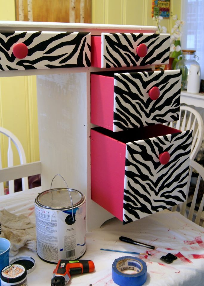 Best 25 zebra girls rooms ideas on pinterest pink zebra for Zebra print bedroom ideas