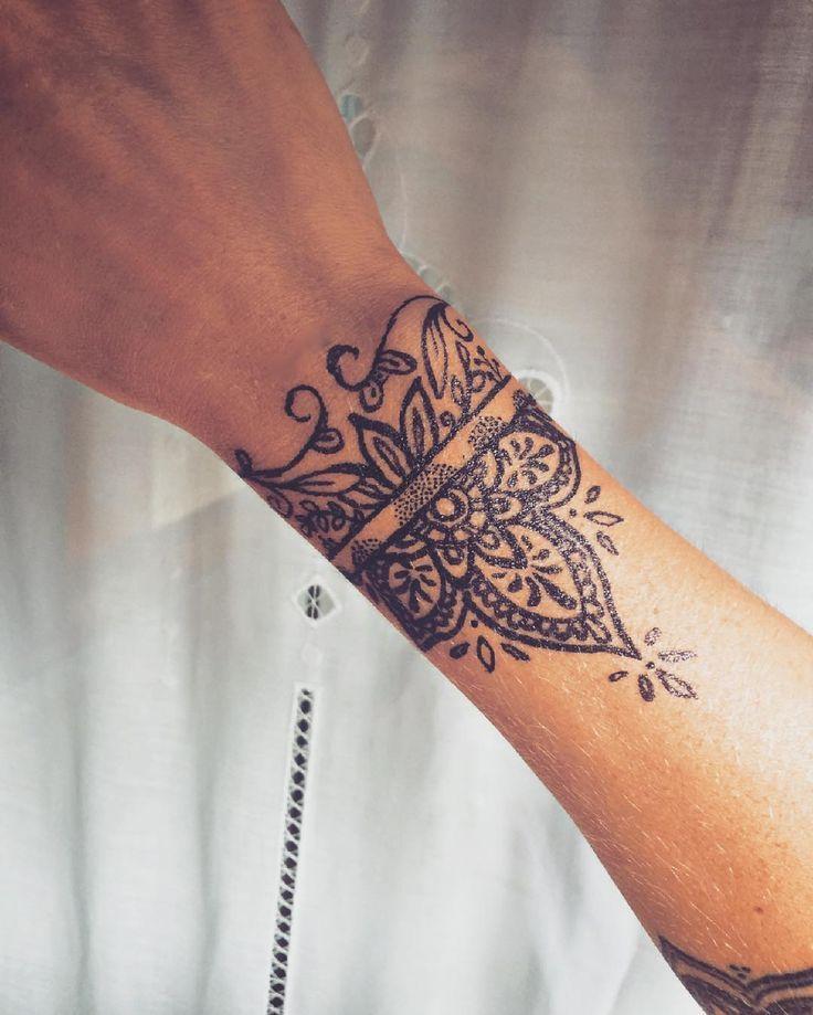 Handgelenk- und Armbandtattoos für Damen und Herren – Seite 11 von 37   – Tattoo