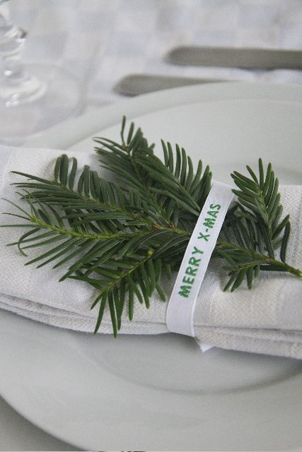 Something new at your Christmasdinnertable this year? Personalised ribbons from Nominette.com
