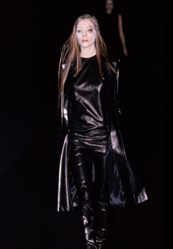 Olivier Theyskens Spring 1999 Ready-to-Wear Collection - Vogue