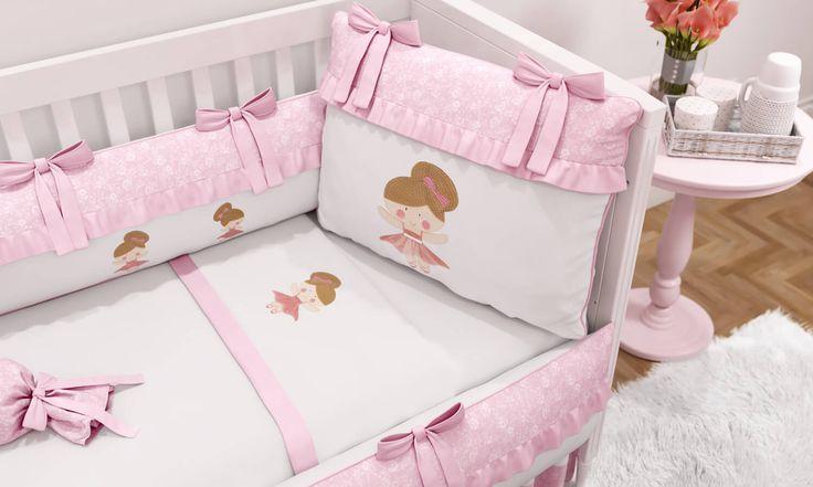Com detalhes de tule na saia da bailarina bordada, o kit berço e jogo de lençol do Quarto de Bebê Pequena Bailarina vai decorar o lugarzinho mais especial da casa com muita delicadeza e bom gosto!