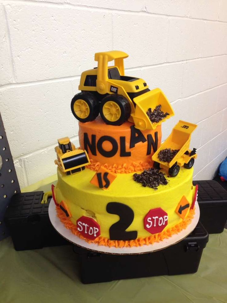 Construction birthday party cake! See more party ideas at CatchMyParty.com!