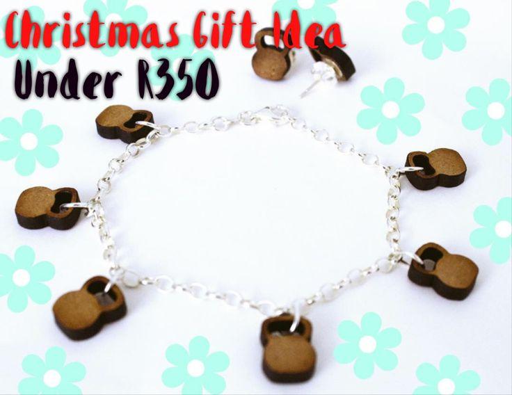 Wooden Kettlebell bracelet & earrings set.