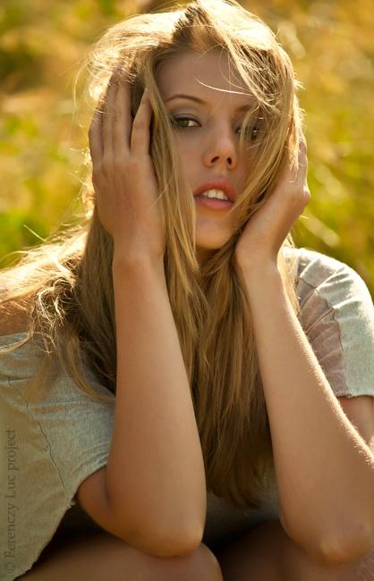 Makeup: Agnes Hlatky,  Modell: Eva Heltai,  Photo: Rolland Balazs