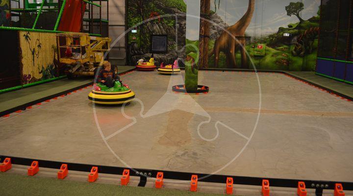 www.eliplay.eu uploads images producten 91 vcs-indoor-speeltuin-leverancier-producent-kart-track-3_720_400_1.jpg