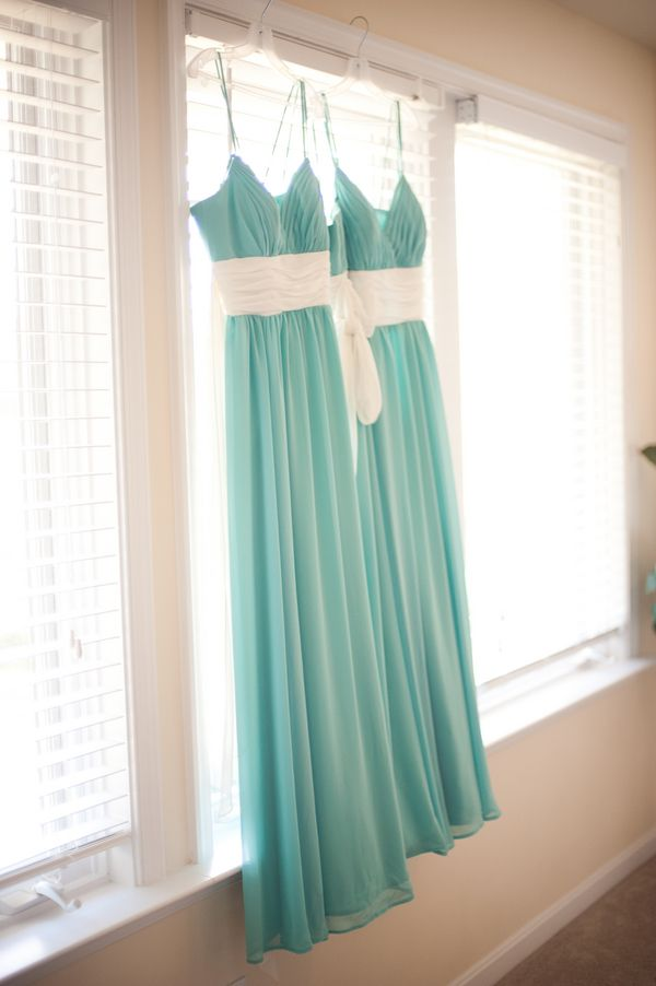 robins egg blue and white bridesmaid dresses gorgeous...lets make that white an antiqued white or cream and we got something here!