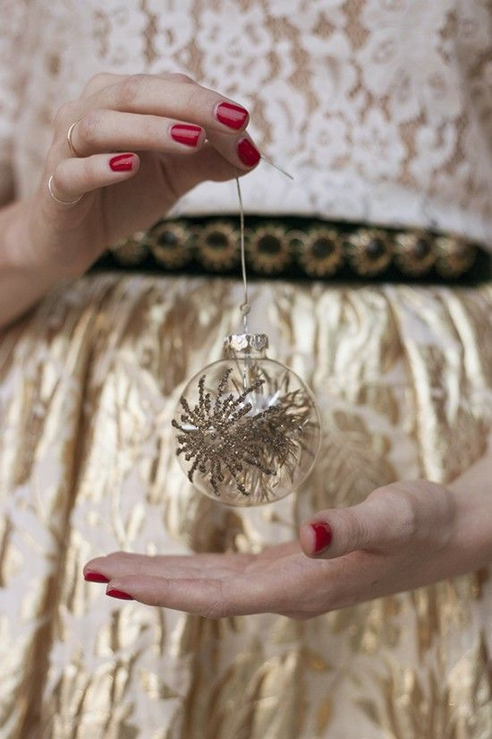Happy Holidays: Christmas Parties, Christmas Style, Holidays Photo, Golden Christmas, Holidays Sparkle, Christmas Ball, Gold Christmas, Happy Holidays, Perfect Outfits