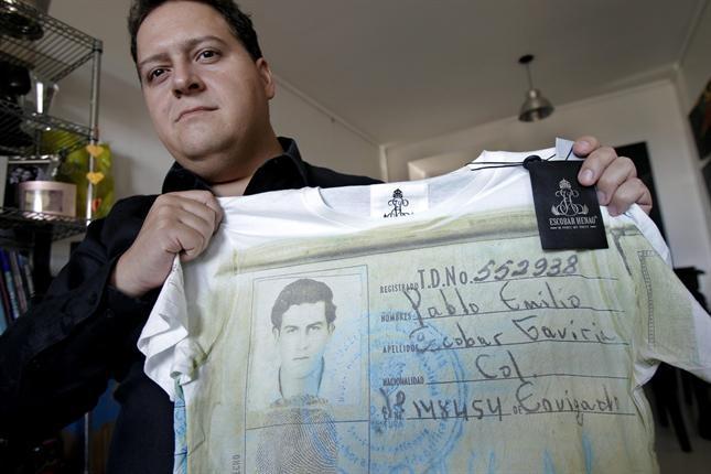 """El hijo de Pablo Escobar creó una línea de ropa """"para no repetir"""" la historia de su padre - lanacion.com"""
