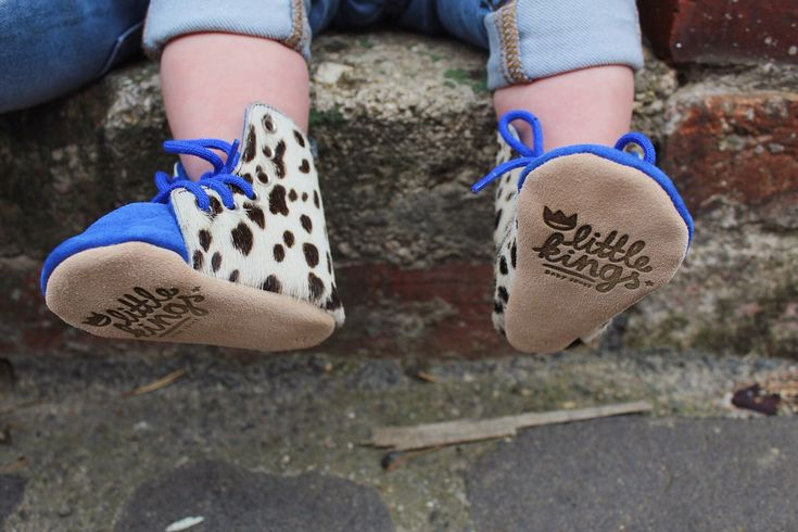 #babyschoentjes #zwanger #geboorte #babyslofjes #babyshoes #pregnant #birthgifts #handmade #design #amsterdam #liefde #sneakers #schoenen #kids #fashion #sneakers #handgemaakt #babies #baby #happiness #family #shoes #sneakers #handcrafted #design #luxury #world #happiness #family #friends #newborn #life #fairtrade #fairtradefashion  #amsterdamdesign  www.little-king.nl