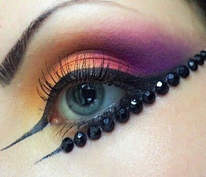 Eye makeup \(^-^)/