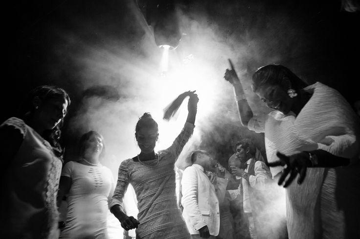 Morlotti Studio è orgoglioso di comunicare che i propri fotografi Daniele Borghello e Edgard De Bono si sono classificati rispettivamente 1° e 2° al contest internazionale di MYWED indetto da CANON per il Friuli Venezia Giulia. Clicca sul link per maggiori info  http://www.morlotti.com/morlotti-studio-sulla-cima-del-friuli  #fotografomatrimonio, #fotografomatrimonioudine, #weddingphotographer