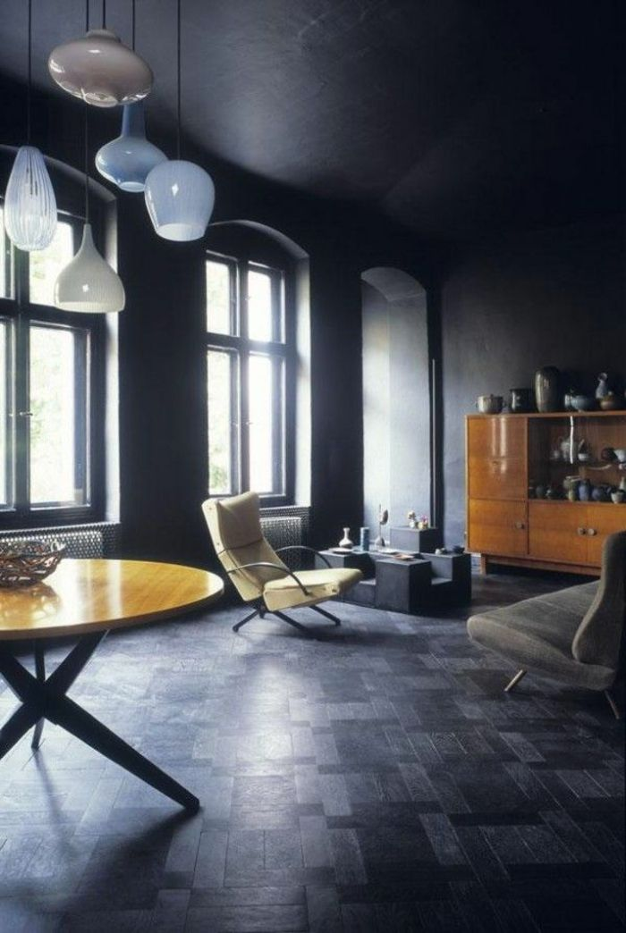 parquet noir pour le salon noir et jaune table ronde en bois
