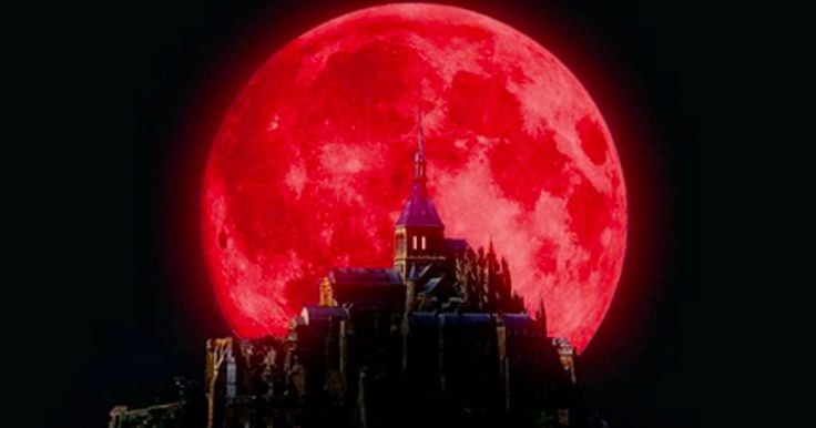 how to make a blood moon appear